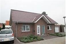 Bungalow Mit Garage Im Keller by Massivhaus Massivh 228 User Kfw 55 Kfw 70 Effizienzhaus