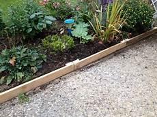 bordure de jardin en bois bordures de jardin en palettes bordures palettes1