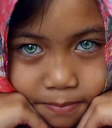 Schwarzer Mit Blauen Augen - beautiful hispanic most beautiful