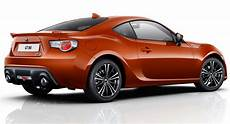 Toyota Improves 2015 Gt86 S Dynamics Adds Shark Fin