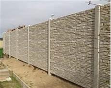 betonpfosten für gartenzaun beton sichtschutzzaun fachgerecht montiert zaunteam