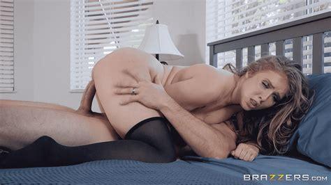 Sexy Kiss Gif