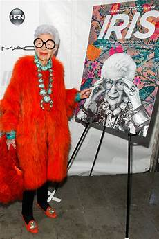 15 Questions With Fashion Icon Iris Apfel Pret A Reporter
