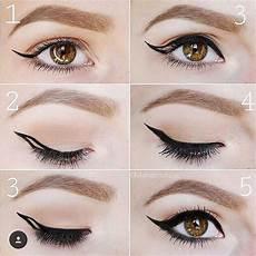 How To Winged Eyeliner Eyeliner Makeup Tutorial Howto