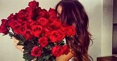 fiori per una donna cosa regalare ad una donna guida di sopravvivenza per