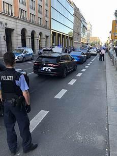 Sch 252 Sse In Die Luft Polizei Stoppt Hochzeitsgesellschaft
