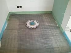 estrich gefälle herstellen dusche gef 228 lleestrich selbst herstellen mischungsverh 228 ltnis zement