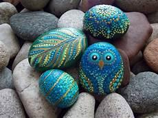 steine bemalen mit acrylfarbe set owl mandala feather spiral egg 4