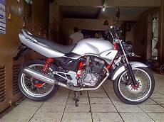 Modifikasi Tiger 2000 Standar by Honda Tiger 2000 Modifikasi Touring Thecitycyclist