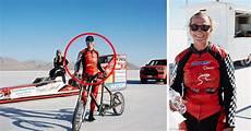 Une Cycliste Atteint La Vitesse De 295 Km H Et 233 Tablit Un