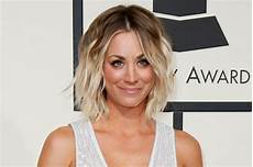 Kaley Cuoco Haare - how to get kaley cuoco s tousled grammy awards hairstyle