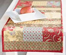 charming floral table runner allpeoplequilt