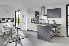 Einbauküche Mit Geräten Günstig - linea musterk 252 che einbauk 252 che mit sitzgelegenheit inkl