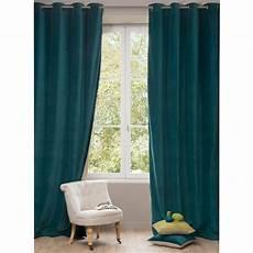 rideau bleu rideau en velours bleu canard 140 x 300 cm maisons du monde