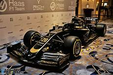 haas f1 2019 haas reveals new livery for 2019 f1 season in
