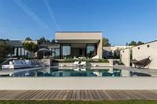 garage de la piscine maison contemporaine exceptionnelle 224 vendre pr 232 s de