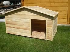 fabriquer une niche pour grand chien grande niche pour 2 chiens