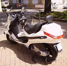 file piaggio xevo 125 white jpg