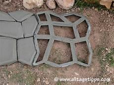 pflastersteine selber machen gie 223 form pflastersteine mischungsverh 228 ltnis zement