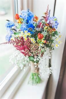 blumendeko hochzeit vintage pin auf brautstrauss und hochzeit blumendeko bridal bouquets