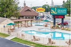 book quality inn and suites dollywood in pigeon forge