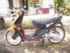 Modifikasi Pelek Motor by Foto Gambar Modifikasi Motor Modifikasi Yamaha Mio Pelek