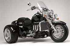 motorrad mit 3 räder triumph rocket auf drei r 228 dern gaskrank magazin