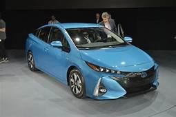 2017 Toyota Prius Prime Preview