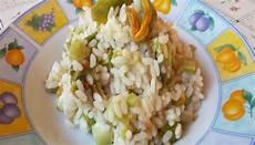 risotto con zucchine e fiori di zucca risotto zucchine e fiori di zucca ricetta fragolosi