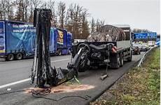 Unfall Auf Der A81 Bei Ehningen Teilsperrung Der Autobahn
