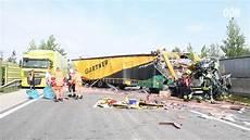 Totalsperre Der A1 Nach Lkw Unfall