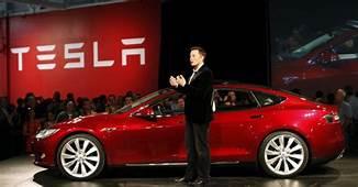 Elon Musk Says Tesla Will Make Fully Autonomous Models By