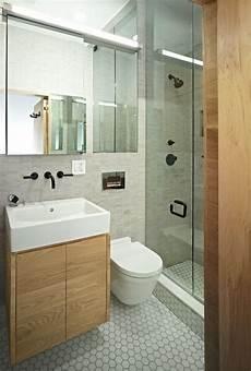 Kleine Badezimmer Design - kleines bad mit dusche glasabtrennung t 252 r schwarze
