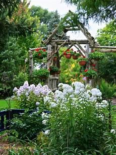 conrad art glass gardens a great way to build a privacy area garden glass garden