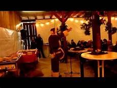 Malvorlagen Weihnachtsmann Jung Der Lustige Weihnachtsmann Walkact F 252 R Jung Und Alt