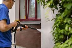 fassade reinigen tipps zur fassadenreinigung je nach