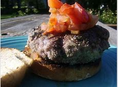 aussie lamb burgers with goat cheese and tomato relish_image
