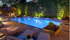 comment choisir sa piscine comment choisir le bon 233 clairage pour sa piscine en