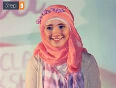 Gaya Jilbab Cantik Dengan Bando Bunga Foto 9 Co Id