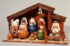 Creche De Noel 10 Santons Creche De Noel Decoration