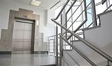 personenaufzug f 252 r mehrfamilienhaus planen installieren