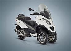 piaggio mp3 500 lt 2018 piaggio mp3 500 sport lt review total motorcycle