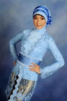 Model Baju Muslim Kebaya Terbaru Gambar Model Kebaya