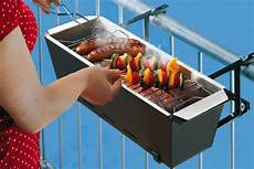 grillen auf balkon balcony grill barbecue has never seemed so incredibly
