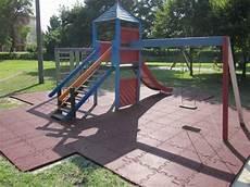 pavimento parco giochi polyshock pavimentazione antitrauma aree giochi codex srl