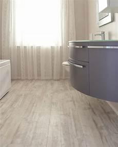 rivestimenti e pavimenti foto pavimento e rivestimento bagno in pvc lvt di