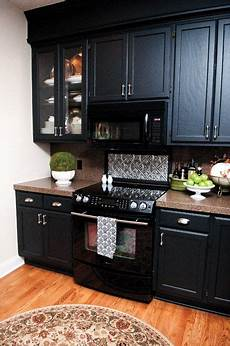 Kitchen Cabinet Colors With Black Appliances by This Is My Favorite Way To Use Black Appliances In A