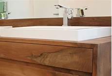 waschtischunterschrank für aufsatzwaschbecken holz die besten 25 waschtisch mit aufsatzwaschbecken ideen auf