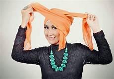 Cara Memakai Jilbab Segi Empat Model Turban