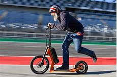 E Scooter Test 2019 Autobild De 4 Your Work